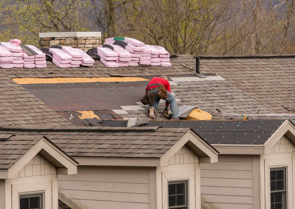 5 Benefits of Hiring a Local Roofing Contractor